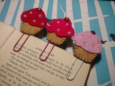 Check out this item in my Etsy shop https://www.etsy.com/listing/489682300/bookmark-decorative-paper-clip-calendar