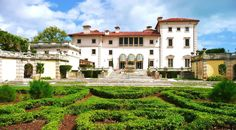 Built+in+the+1910s+in+the+Spanish+style,+Vizcaya+was+once+the+summer+home+of+agricultural+industrialist+James+Deering.   - HouseBeautiful.com