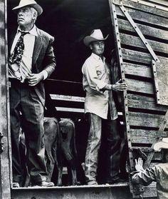 """Lee Marvin y Paul Newman en """"Los Indeseables"""", 1972"""