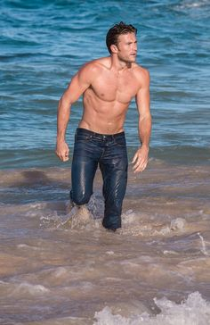 Scott Eastwood is our generation's Clint Eastwood and for that we are grateful. Clint And Scott Eastwood, The Longest Ride, Le Male, Hommes Sexy, Raining Men, Good Looking Men, Cute Guys, Hot Men, Gorgeous Men
