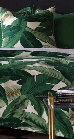 Drift away to a sweet slumber every night under our tropical-chic Lanai Bedding Collection. Inspired by the transcendent beauty of Lanai, the centerpiece of this luxury resort quality bed set is an exaggerated emerald hued palm motif found on the Duvet Cover and Comforter.