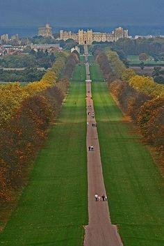 Long Walk Day 3 - London - Windsor Castle The Long Walk, Windsor Castle (just outside London!)Day 3 - London - Windsor Castle The Long Walk, Windsor Castle (just outside London! Oh The Places You'll Go, Places To Travel, Places To Visit, Travel Destinations, Beautiful Castles, Beautiful Places, Windsor Castle, Windsor Park, Windsor London