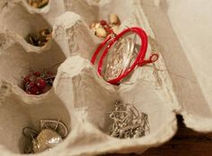 33+ Helpful Moving Tips Everyone Should Know ~ Use egg cartons to store and protect smaller pieces of jewelry!