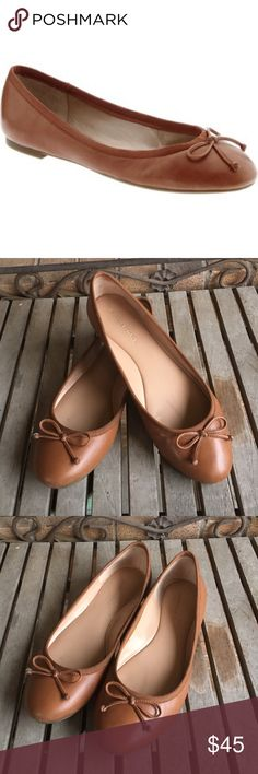 Banana Republic Tan Ashley Ballet Flats Banana Republic Tan Ashley Ballet Flats. Great shape! Leather uppers. Cushioned insoles. Rubber soles. Small leather bow adorns the top of toe. So comfortable and versatile. Goes with just about anything. Brown, camel. These are 8B/38 Banana Republic Shoes Flats & Loafers