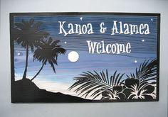 夜風が心地良いハワイの浜辺、すべてが寝静まったような雰囲気の中で、月の明かりが照らされた景色を描いたデザイン。