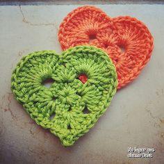 http://nolugarquechamocasa.blogspot.lu/2015/08/heart-squares.html