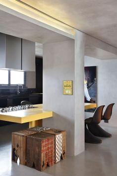 FJ House by Studio Guilherme Torres. FJ House by Studio Guilherme Torres. Zeitgenössisches Apartment, Apartment Interior, Apartment Design, Kitchen Interior, Design Kitchen, Style Loft, Contemporary Apartment, Contemporary Design, Kitchen Dinning