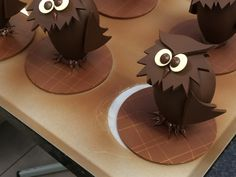 Chocolate Work, Chocolate Flowers, Chocolate Toffee, Chocolate Bouquet, Chocolate Caramels, How To Make Chocolate, Homemade Chocolate, Chocolat Halloween, Halloween Chocolate