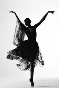 Silhouette by Alexander Yakovlev Ballet Poses, Ballet Art, Dance Poses, Ballet Dancers, Ballerinas, Ballet Images, Ballet Pictures, Dance Pictures, Carpeaux