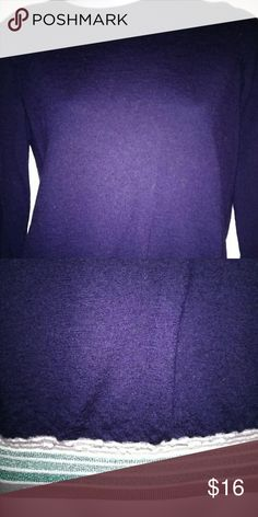 Gap sweater Gap sweater gently used in great conditions second pic shows bottom part that has striped colors GAP Sweaters Crew & Scoop Necks