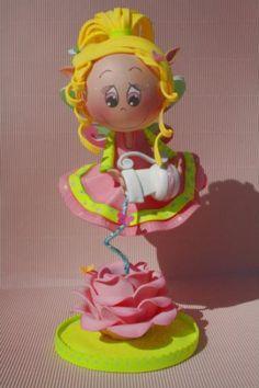 muñeca decorativa fofucha ariela (hada elemento del agua) goma eva,pintura acrilica,abalorios termoformado,pintura country