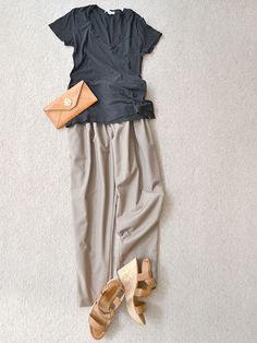 Simple coordinates, a T-shirt and pants
