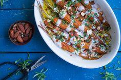 Bagte gulerødder med dressing, mandler og estragon