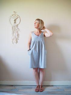 """Patron:Mademoiselle Lu Modèle:Robe Louise Taille:36 Tissus: Coton - Ma petite mercerie Commentaires :J'apprécie de plus en plus et je me fais confiance pour me lancer dans du sur mesure. Cette petite robe je l'ai voulu ayant une petit air """"d'île de Ré"""", en effet je m'inspire d'endroit pour élaborer mes robes. Donc voilà une petite…"""
