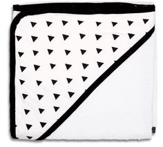 Buy Peanut Shell Boutique Hooded Towel - Black Triangles by Peanut Shell online and browse other products in our range. Baby & Toddler Town Australia's Largest Baby Superstore. Buy instore or online with fast delivery throughout Australia.
