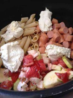 Fast Recipes 93328 One pot pasta knacki Vegetarian One Pot Meals, Vegetarian Pasta Recipes, Pasta Dinner Recipes, Easy Healthy Pasta Recipes, Healthy Pastas, Fast Recipes, Red Sauce Pasta Recipe, Pot Pasta, Cooking