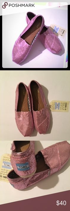 TOMS PRETTY IN PINK New with tag glitter tons great for Valentines Day cute and stylish Toms Shoes Flats & Loafers