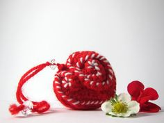 Red and White Shabby Chic Hanging heart / Red by RevesCreazioni, €13.90