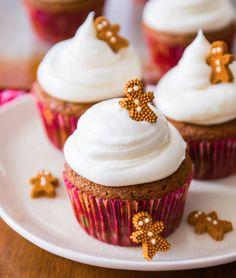 Happy Holidays! - cupcakemania-:      Gingerbread Cupcakes