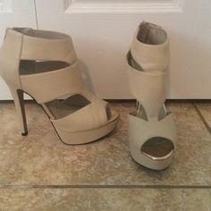 Tan platform stilettos Very good condition platform Aldo heels. Zip closure in the back of ankle. ALDO Shoes Heels
