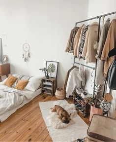 What a sweetness . and a wonderful and cozy bedroom Repost & Credit: . - Home Decors Ideas What a sweetie . and a wonderful and cozy bedroom Repost & Credit: . Cozy Bedroom, Bedroom Inspo, Bedroom Decor, Modern Bedroom, Contemporary Bedroom, Master Bedroom, Trendy Bedroom, Bedroom Colors, Bedroom Apartment