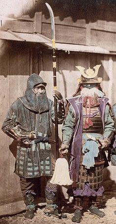 Samurai wearing traditional armor and holding a saihai and retainer holding a naginata and wearing kusari katabira (chain armor jacket) and kusari zukin (chain armor hood).