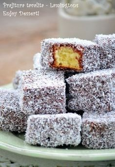 Prajitura tavalita - Lamingtons Romanian Desserts, Jacque Pepin, Good Food, Yummy Food, Cata, Sweet Cakes, Yummy Cakes, Cake Recipes, Deserts