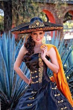 Hermosa Chicana...