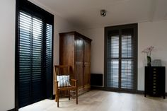 Interior and exterior window shutters done by experts. Free in-home consultations and pricing in Central Oregon. Wooden Window Blinds, Interior Window Shutters, Blinds For Windows, Fresco, Store Venitien, Zen House, Farm House, Custom Blinds, Outdoor Blinds