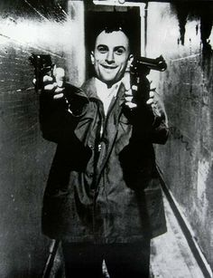 Robert De Niro as Travis Bickle (Taxi Driver, Martin Scorsese Martin Scorsese, The Best Films, Great Films, Good Movies, Inspirer Les Gens, Movie Stars, Movie Tv, Chauffeur De Taxi, Photo Star