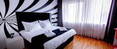 Hotel Sarroglia Bucuresti, Romania - hotel 4 stele in centru Bucuresti.  Rezervari rapide prin intermediul hotel-bucuresti.com, la tarife  mici. Romania, Bed, Furniture, Home Decor, Decoration Home, Stream Bed, Room Decor, Home Furnishings, Beds