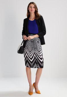 638f13b076 ¡Consigue este tipo de falda plisada de Anna Field ahora! Haz clic para ver