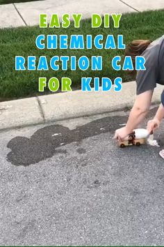Check out this awesome chemical reaction powered car! Kids will have a great time making their own DIY car that goes fly Kid Science, Stem Science, Preschool Science, Science Fair, Preschool Crafts, Science Fiction, Science Projects For Kids, Science Activities For Kids, Science Videos For Kids