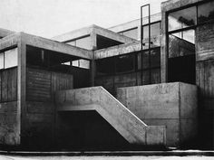 Visions of an Industrial Age: Trades Workshop, Sevres, France 1962 Roof Architecture, Architecture Details, Concrete Architecture, Brutalist Buildings, Interior Design Institute, Urban Design, The World's Greatest, Stairs, Exterior