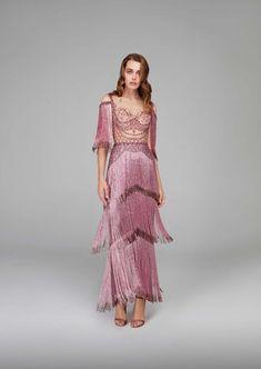 20 ideas skirt fashion design gowns for 2019 Fashion Week, Skirt Fashion, Trendy Fashion, Fashion Dresses, High Fashion, 20s Fashion, Look Retro, Marchesa, Elie Saab