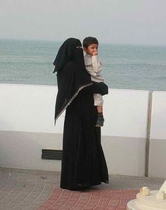 the Beauty of Hijab (+Niqab) Muslim Family, Muslim Girls, Muslim Couples, Muslim Women, Hijab Niqab, Muslim Hijab, Anime Muslim, Mother Son Photography, Family Photography