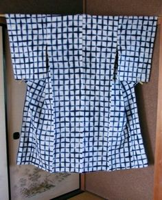 ITAJIME LATTICE SHIBORI YUKATA . HOMESPUN, HANDWOVEN COTTON,  BOTANICAL INDIGO  ARIMATSU, EARLY 20C