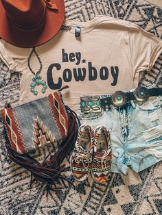Cowgirl Style Outfits, Western Outfits Women, Country Style Outfits, Southern Outfits, Rodeo Outfits, Western Wear For Women, Western Style Clothing, Country Concert Outfits, Cowgirl Western Wear