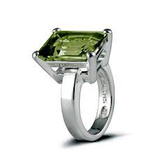 Wear this gorgeous green quartz #Metalsmiths Sterling ring to make a bold statement.