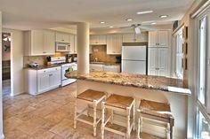 Kitchen dining area seats 6