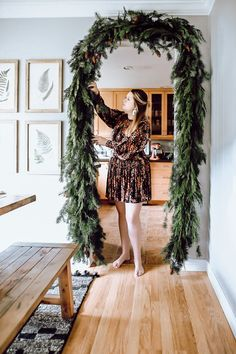 2019 Holiday Home Walk Through. How we styled our home for Christmas with a little bit of modern, scandanavian, mid century and farmhouse decor. Also how to make your own garland. Bohemian Christmas, Modern Christmas Decor, Indoor Christmas Decorations, Farmhouse Christmas Decor, Noel Christmas, Christmas Aesthetic, Farmhouse Decor, Decorating For Christmas, Christmas Kitchen