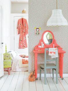 #DIY  vanity (love the coral)