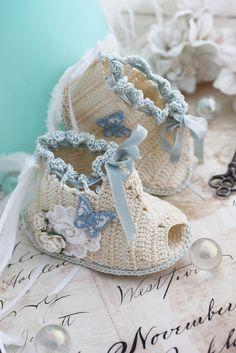 vintage style crochet baby booties