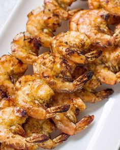 This Chili Lime Shrimp is an easy paleo, Whole30 and gluten free dinner that's made in only 20 minutes! A delicious, healthy meal thats super versatile. Use them in tacos, wraps, salads or lettuce wraps! Healthy Grilling Recipes, Healthy Gluten Free Recipes, Healthy Meal Prep, Keto Recipes, Lunch Recipes, Lime Shrimp Recipes, Chili Lime Shrimp, Seafood Recipes, Clean Eating Guide