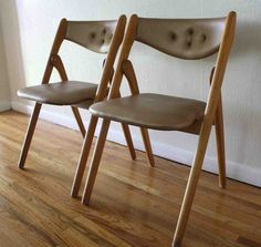 Vinyl Folding Chairs - Home Furniture Design Folding Camping Chairs, Folding Chairs, Home Furniture, Furniture Design, Danish Style, Mid-century Modern, Solid Wood, Cool Designs, Dining Chairs