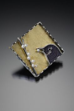 Bird eating berries - Signs of Life - Facere Jewelry Art Gallery 2009