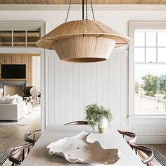 Get inspired by these dining room decor ideas! From dining room furniture ideas, dining room lighting inspirations and the best dining room decor inspirations, you'll find everything here! Beach Cottage Style, Beach House Decor, Beach House Lighting, Coastal Cottage, Coastal Homes, Coastal Living, Coastal Decor, Home Interior, Interior Design