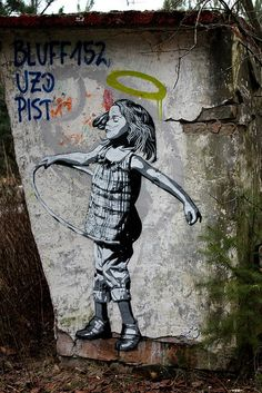 Street art (Berlin, Germany) by Decycle. Street artist Decycle is known for high detailled stencil works. Cool Stencils, Stencil Art, Graffiti Murals, Mural Art, Banksy, Berlin Street, Street Gallery, Chalk Art, Street Artists