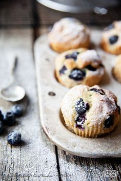 ... blueberry muffins with icing sugar ...