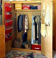 Dorm room closet storage ideas < Creative Dorm Room Decorating Ideas - MyHomeIdeas.com